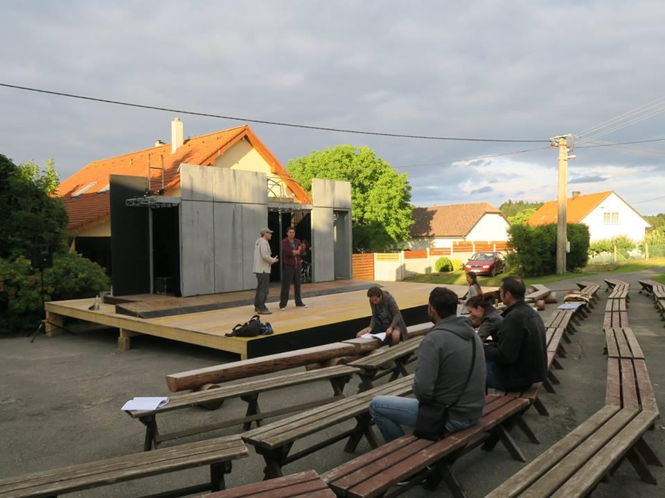 10. - 12. srpna - open-air představení v Lomu u Tábora - předprodej v pokladně divadla