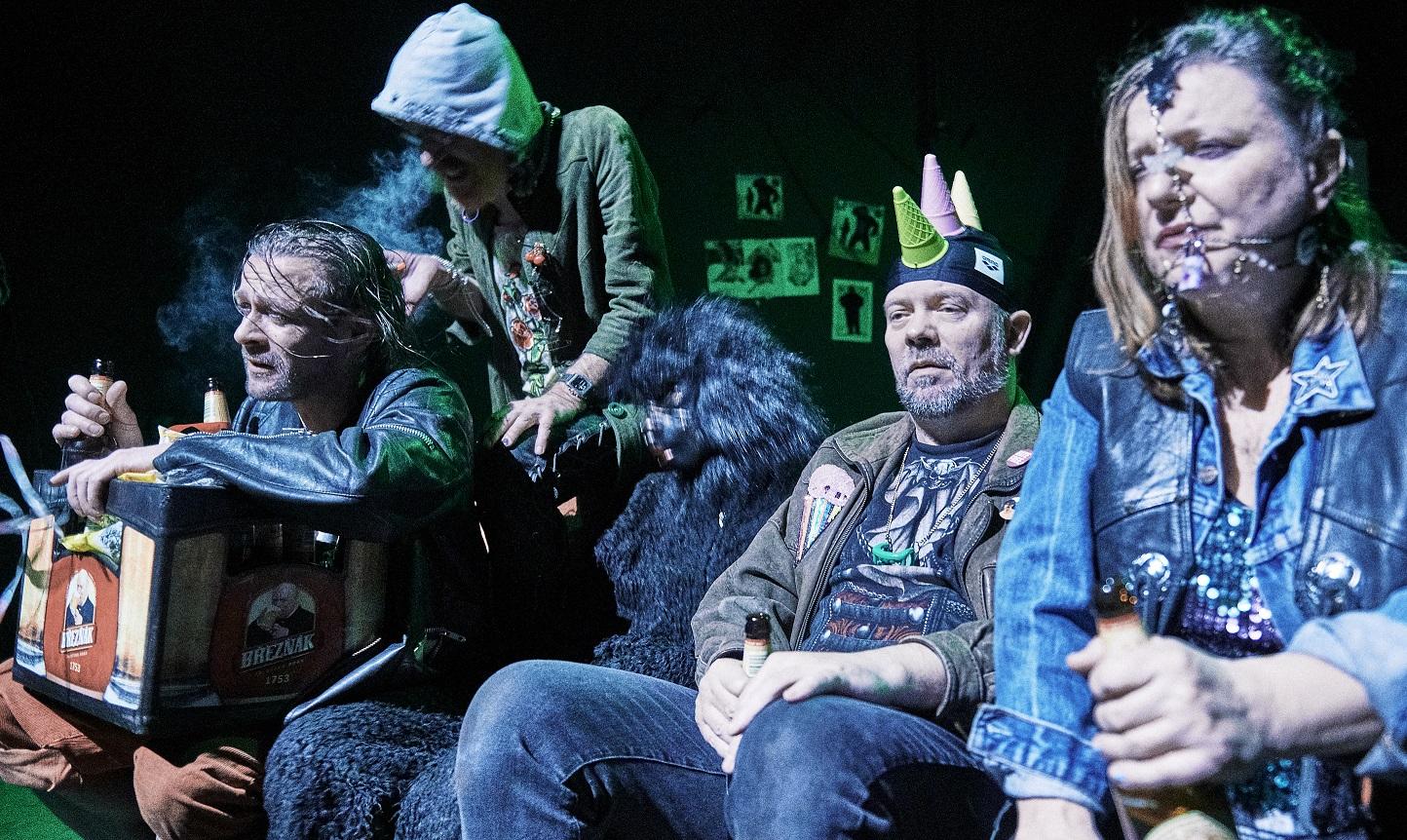 Harila aneb Čtyři z punku a pes